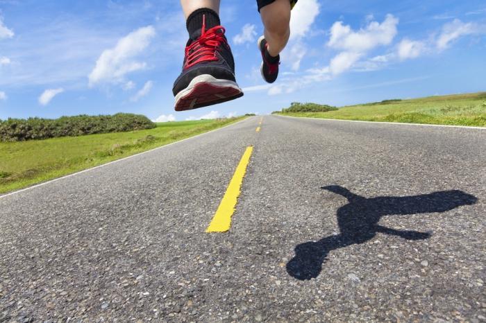 бег по асфальту