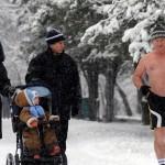 Бег в холодную погоду: польза и правильная одежда